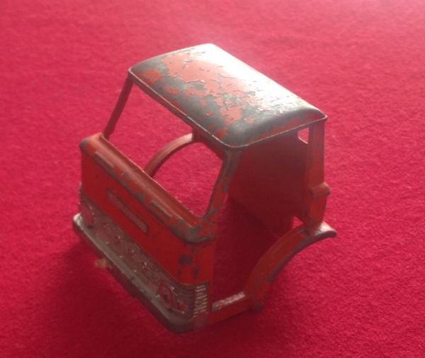 ORIGINAL Dinky Toys 451 Johnston Road Sweeper Cab
